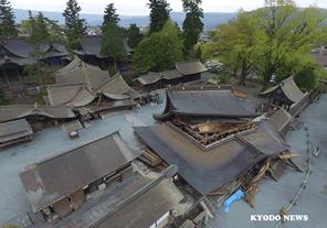 熊本地震の被害を受けた阿蘇神社を再建する