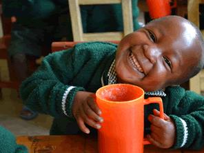 ルワンダの子供たちに5万食の給食を届ける