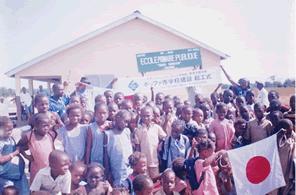 サンコンさんのギニア共和国に学校を建てる