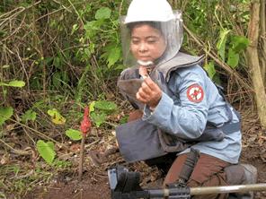 カンボジアの600万個の地雷を何とかする
