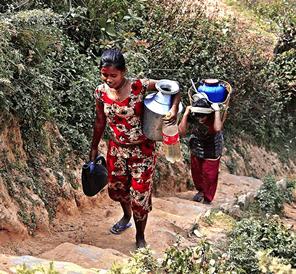 ネパールのラビ村の水問題を解決する